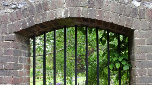 170531 Southover Grange Gardens Lewes (1)