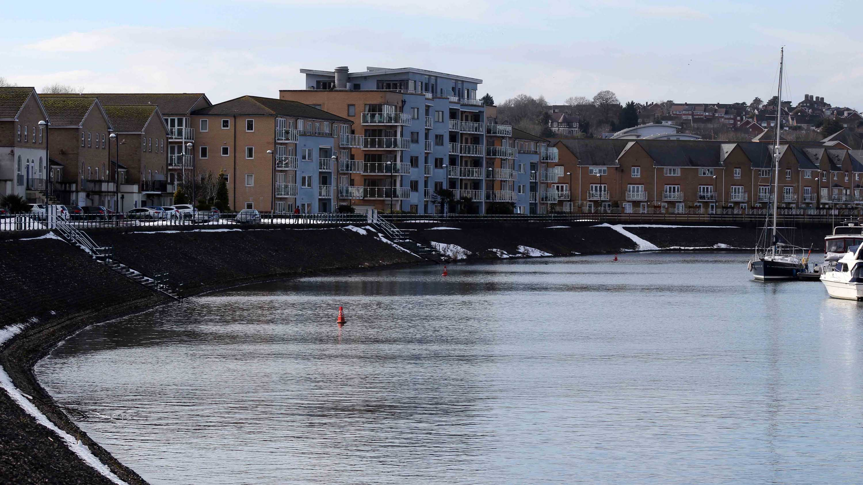 180331 1 Ely embankment